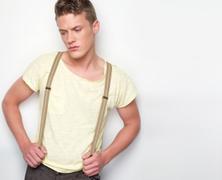 Mivel lehet segíteni a félénk férfiaknak?