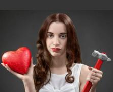 Szerelmi bombázás – amikor azt hiszed, hogy szeretnek...