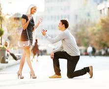 Álom lánykérés a Vörösmarty téren
