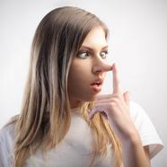 Hazudunk-e az online társkeresőkön?