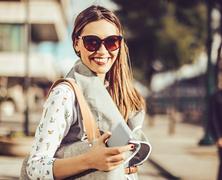 A mosoly, a humor, a barátok… Mi minden tesz vonzóbbá?