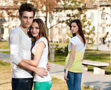 Hogyan éljük túl, ha a barátnőnk bepasizik (mi meg nem)?