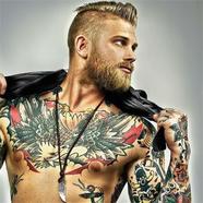 Mennyire vonzódnak a nők a tetovált férfiakhoz?