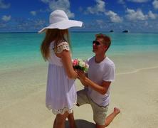Meglepetés lánykérés Mahmya-szigetén