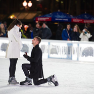 Lánykérés a korcsolyapályán