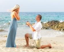 Romantikus lánykérés nyaralás alatt