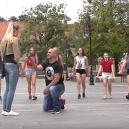 Flashmob lánykérés Egerben