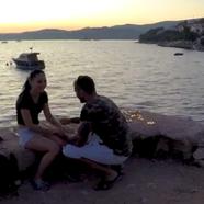 Lánykérés a tenger mellett