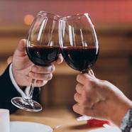 Őszi programok a bor, film és design szerelmeseinek