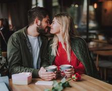 Miért nem szabad abbahagynunk a randizást, miután összejöttünk?