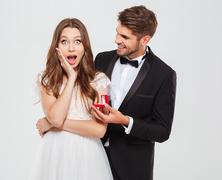 Romantikus lánykérés esküvőn