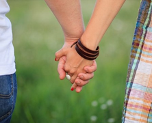 Befellegzett az offline randizásnak?