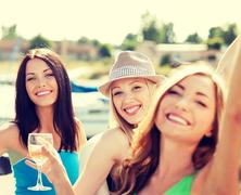 Nyár, bor, mámor
